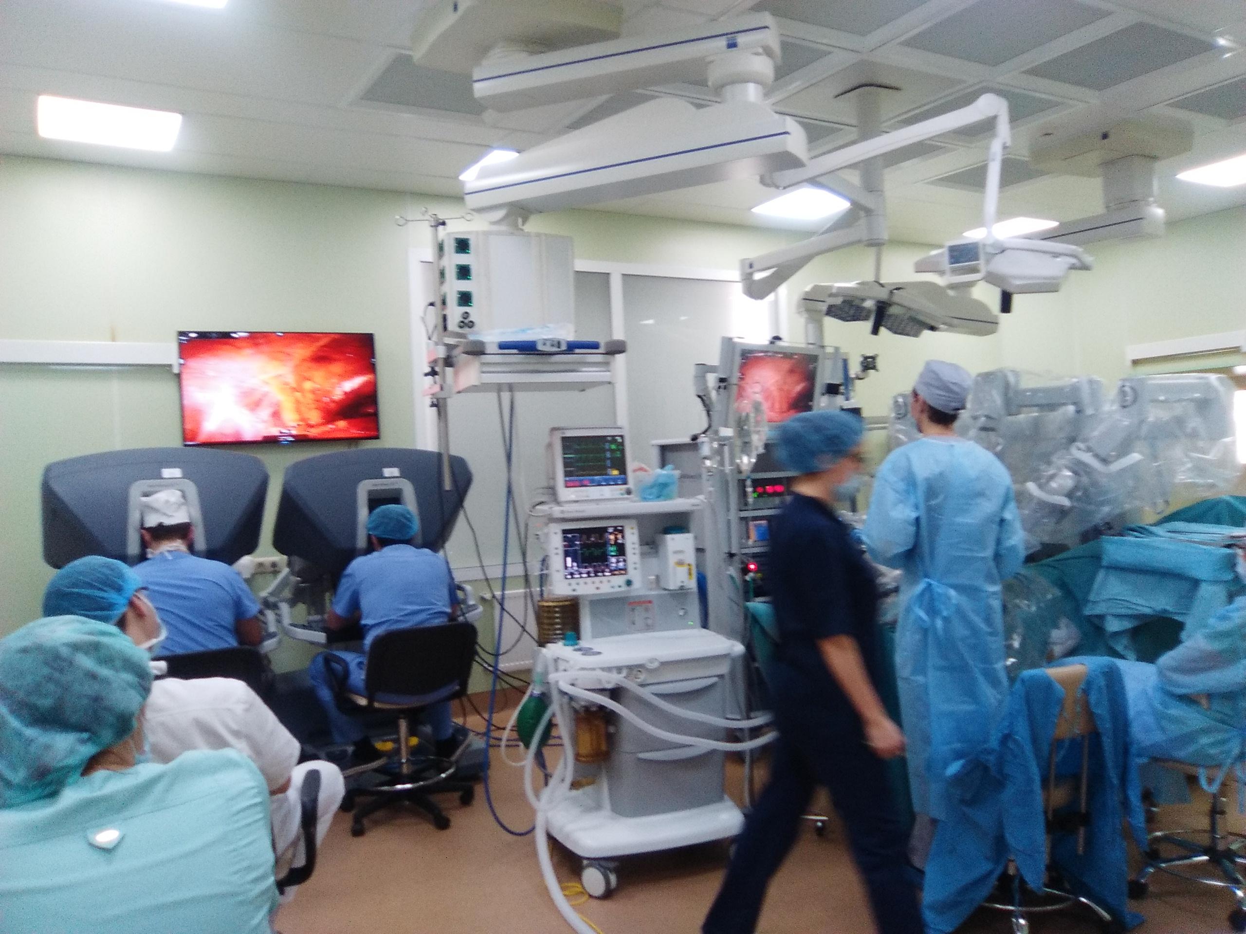 Роботоассистированная операция в урологической клинике